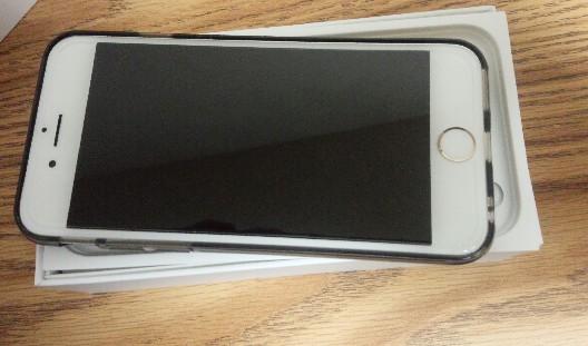 新品のiPhone6